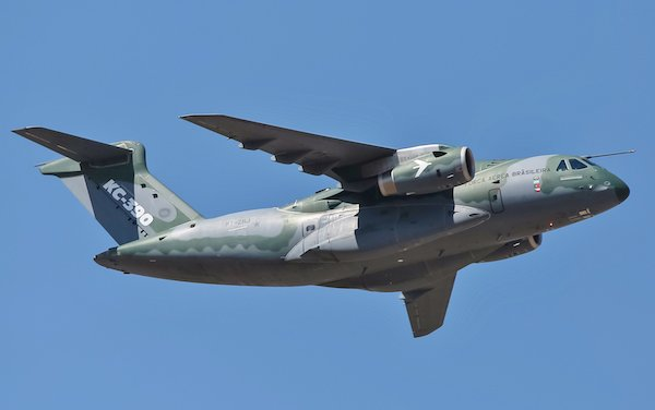 Embraer multi-mission airlift KC-390 comes to Paris