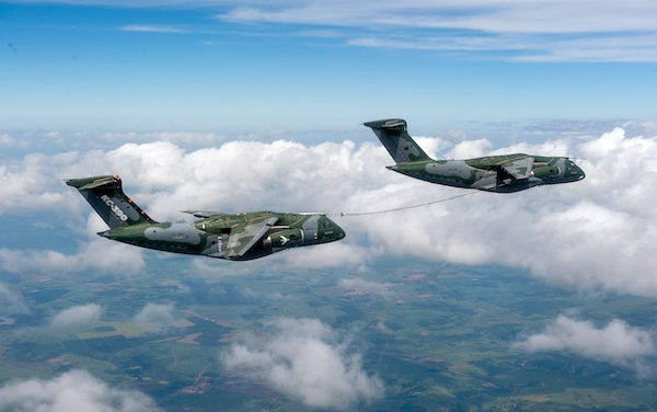 Embraer successfully concludes aerial refueling qualification between two KC-390 Millennium aircraft