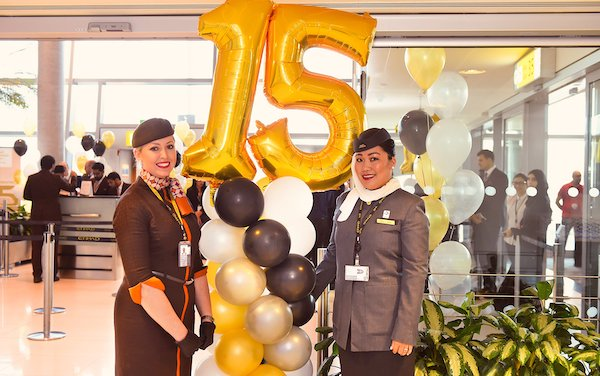 Etihad Airways celebrates 15 years by commemorating its first commercial flight and with human mosaic