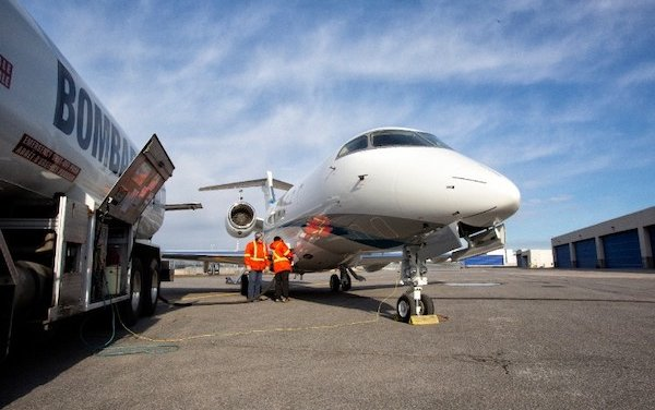 First Bombardier Customer Aircraft Fueled with SAF delivered to Latitude 33 Aviation