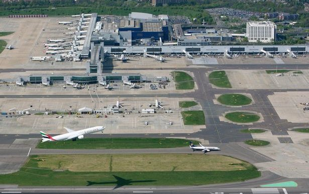 Gatwick planes near miss due to air traffic controller error