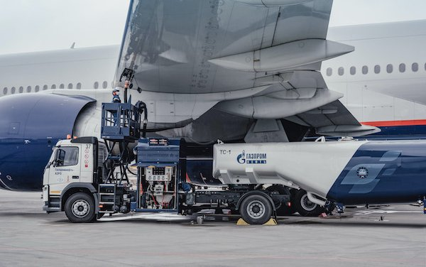 Gazprom Neft and Aeroflot join forces to develop green aviation fuel