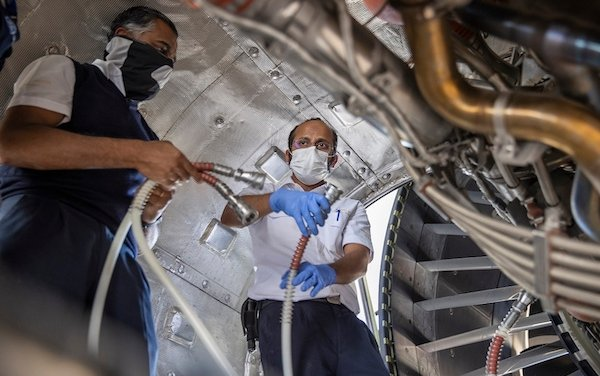 GE Aviation & Etihad Airways partners on groundbreaking GE 360 foam wash jet engine cleaning system