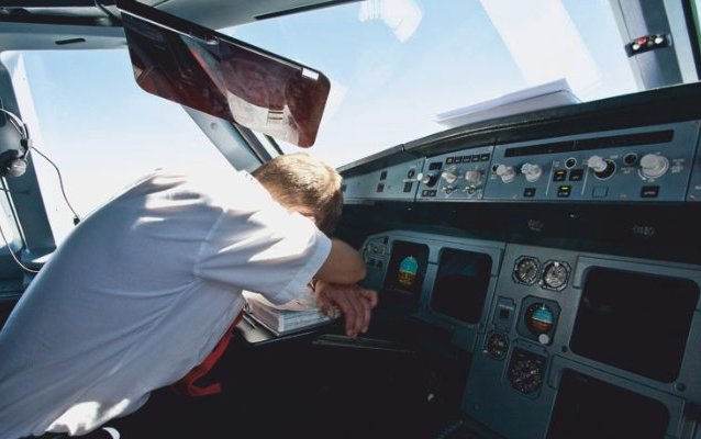 Half of airline pilots report fatigue which could jeopardise passenger safety