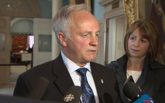 Health Minister Leo Glavine says search for new air ambulance underway