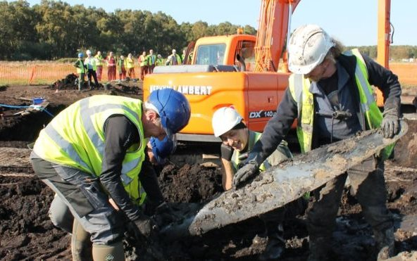 Holme Fen Spitfire dig 'exemplar' for future aviation digs