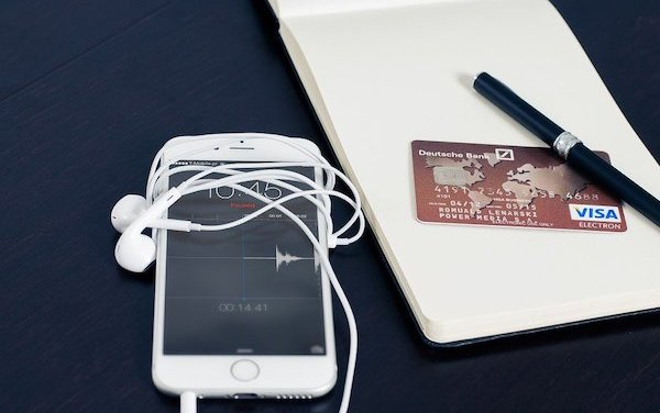 How contactless payment & services technologies are changing airlines