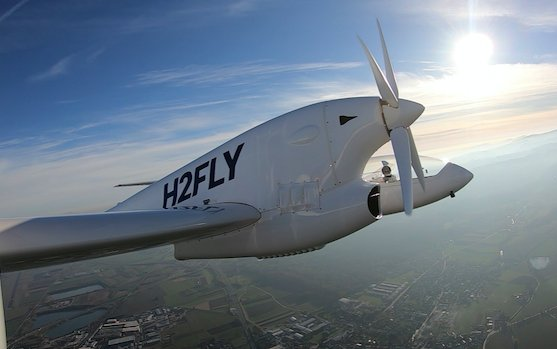 Hydrogen fuel cell driven Hy4 has flown - MAHEPA announces