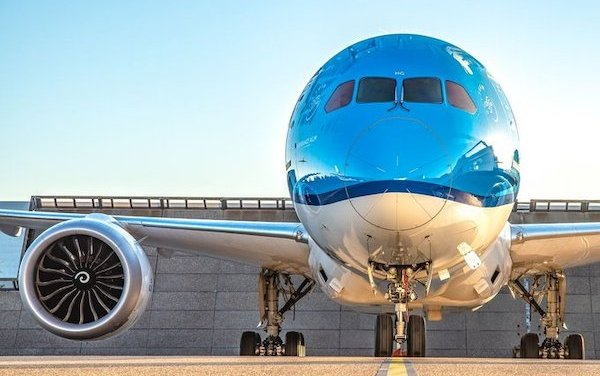 KLM gradually rebuilds network