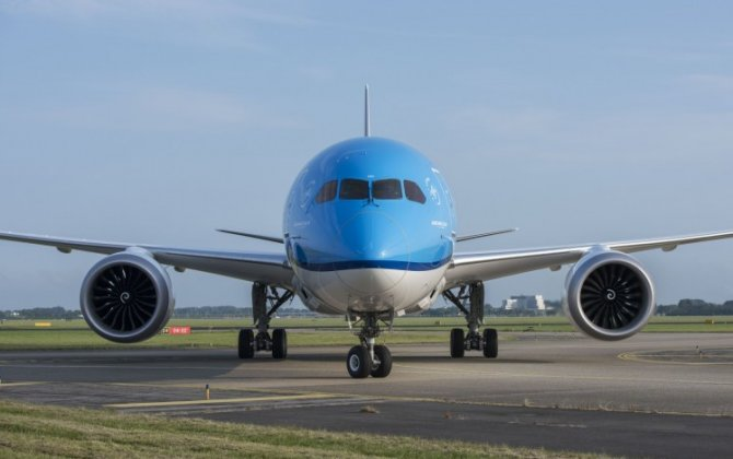 KLM welcomes new Boeing 787 Dreamliner and Embraer 175