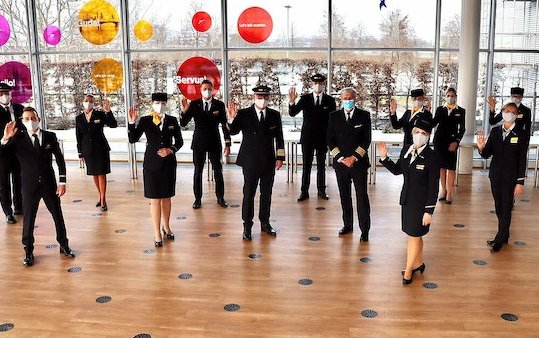 Longest Lufthansa passenger flight with polar explorers on board
