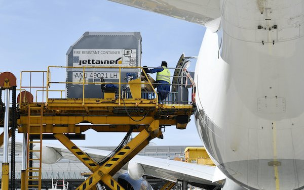 Lufthansa Airbus A350s landing twice daily with protective equipment from China