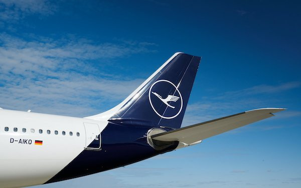 Lufthansa Group reports Adjusted EBIT of minus  EUR 1.3 billion in the third quarter