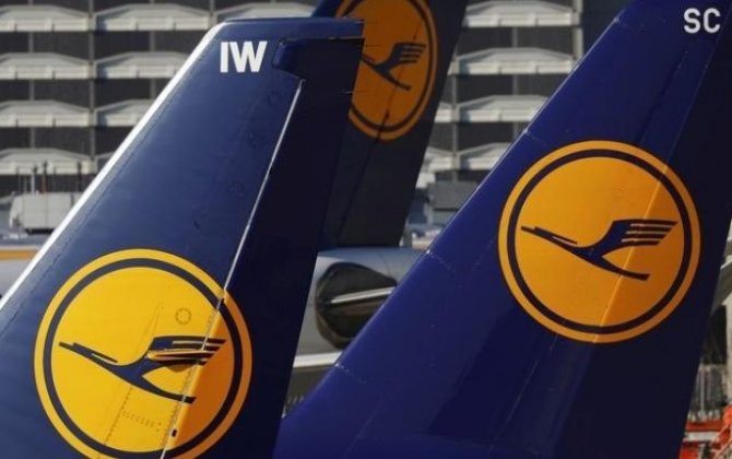 Lufthansa, pilots' union extend pay talks