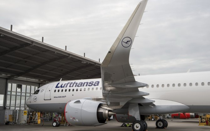 Lufthansa takes delivery of the world's first Airbus A320neo as launching customer