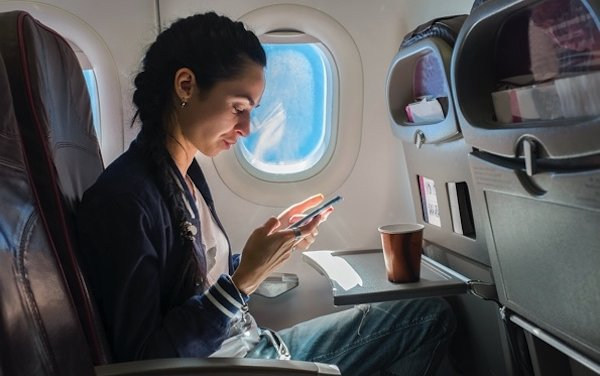 Making passengers smart devices their inflight control center