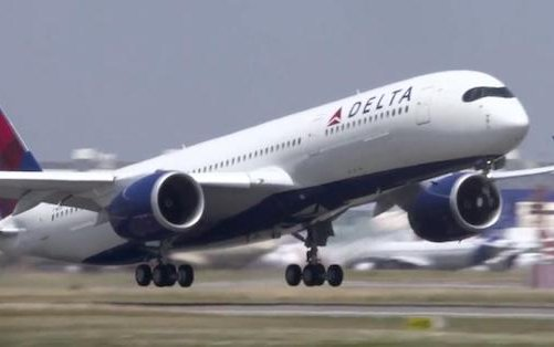 More space for holiday travel: Delta extends middle seat blocks into January 2021