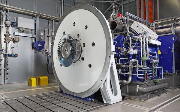 New MTU Aero Engines high-tech test center for engine parts in Munich