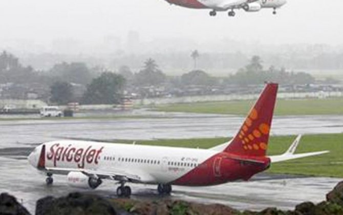 Passengers forced to stay overnight inside plane at Indian airport