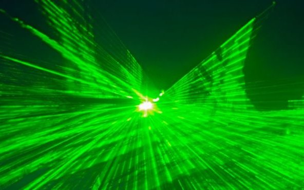 Pilots report more than 1,400 laser incidents in 2015