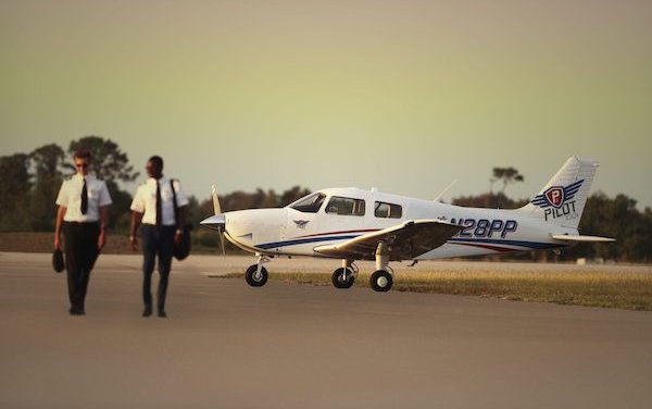Piper Pilot 100i Trainer Aircraft - FAA type certification and first delivery