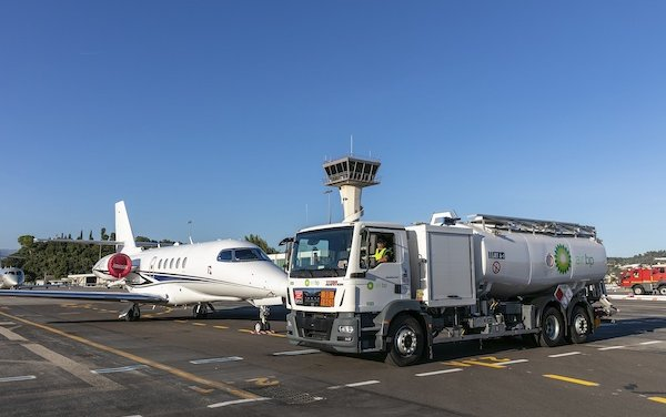 Renewed contract for Air bp at Cannes Mandelieu Airport