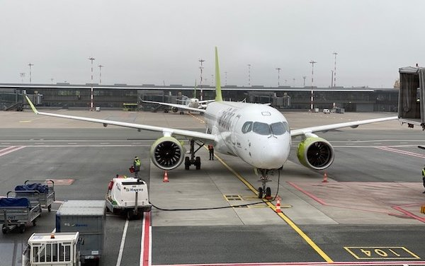 Riga Airport - passenger numbers drop, cargo and business sectors are growing