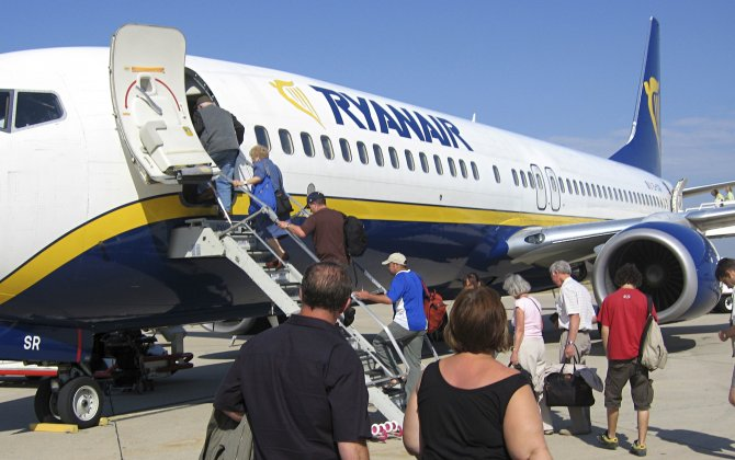 Ryanair Full Year Profit Rises 43% To €1,242M