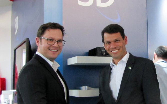 Satcom Direct (SD) signs Avionics Services as first Latin American hardware reseller.