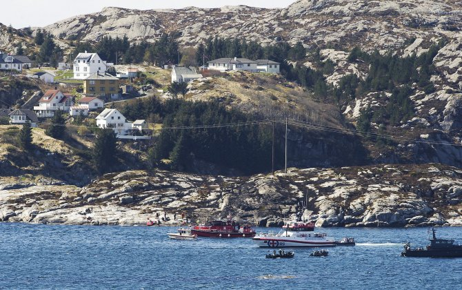 Search continues for missing parts from Norway helicopter crash