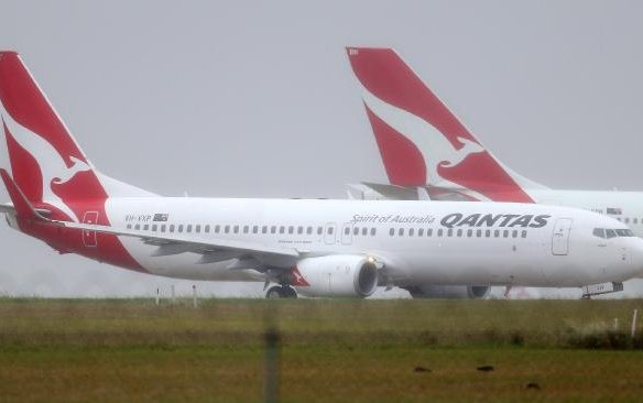 'Security scare' grounds Qantas plane bound for Perth in Melbourne