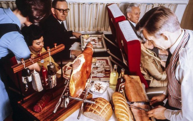 This is what plane food looked like back in the 60s and 70s, the 'golden age of air travel'