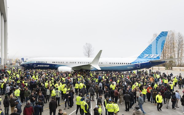 Thousands of Boeing employees gather to mark 737 MAX 10 Debut