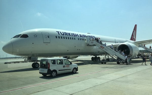 Turkish Airlines awarded 5 stars for their real business class cabin