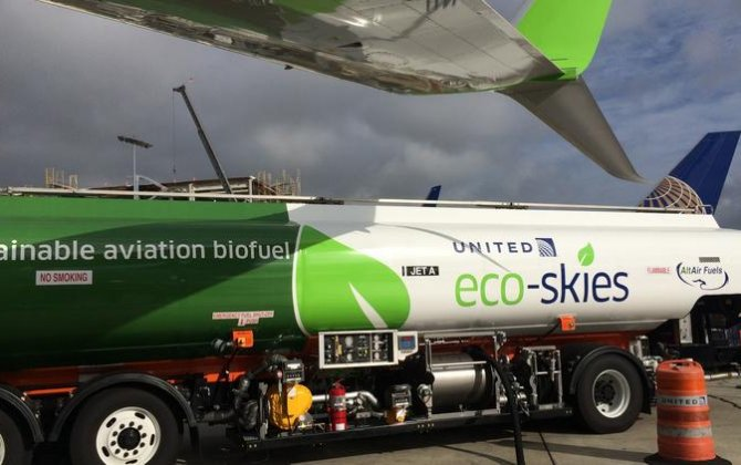 United Airlines takes off with biofuel