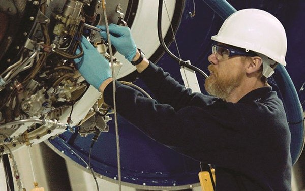 Vector Aerospace completes first Pratt & Whitney Canada PW305A engine test at UK facility