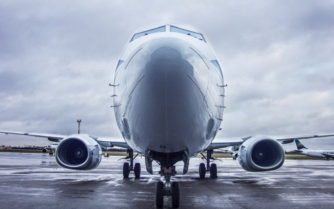 What should lessors realize to gain 20% ROI from mid-age aircraft?