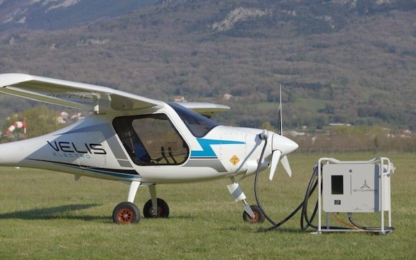 World first OEM-independent electric airplane charger to be approved by EASA