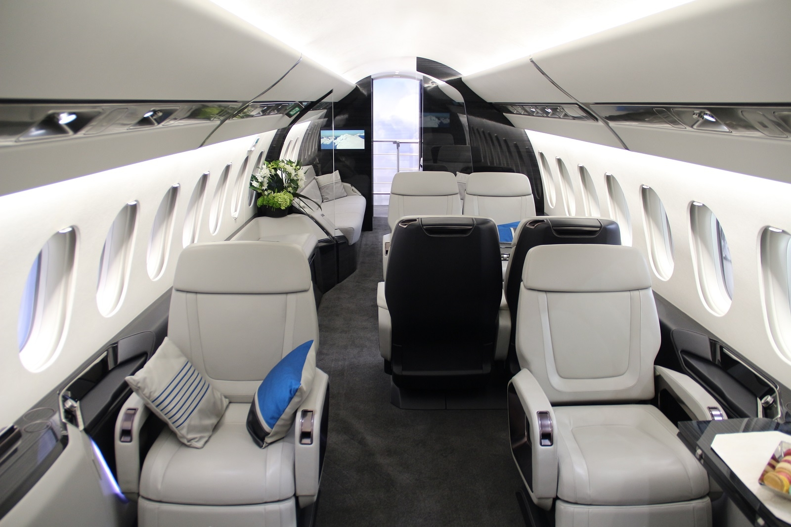 First Falcon 8x With Quot Russian Quot Registration To Appear 2017