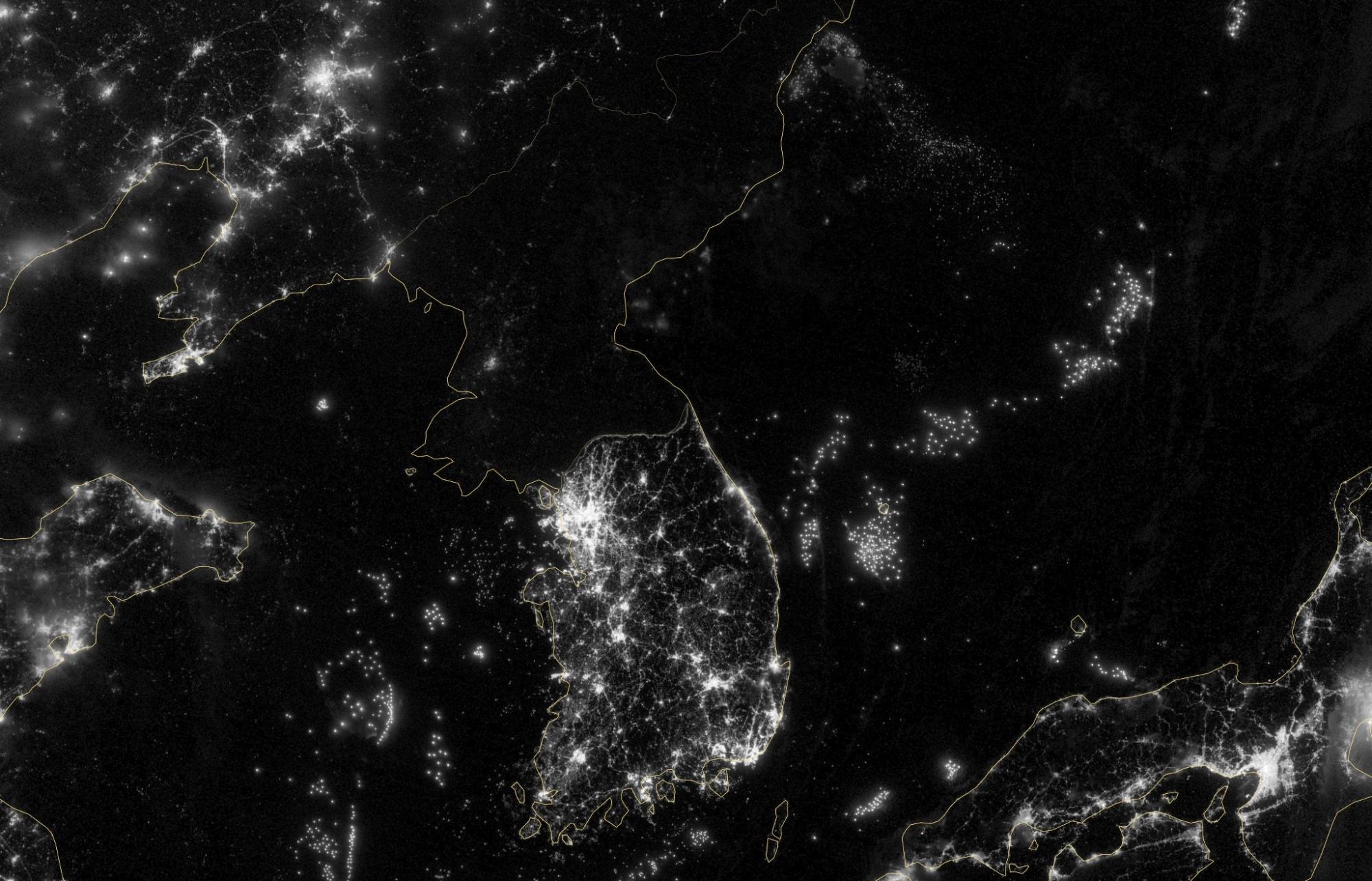 фото из космоса северной и южной кореи грамотно расположенный