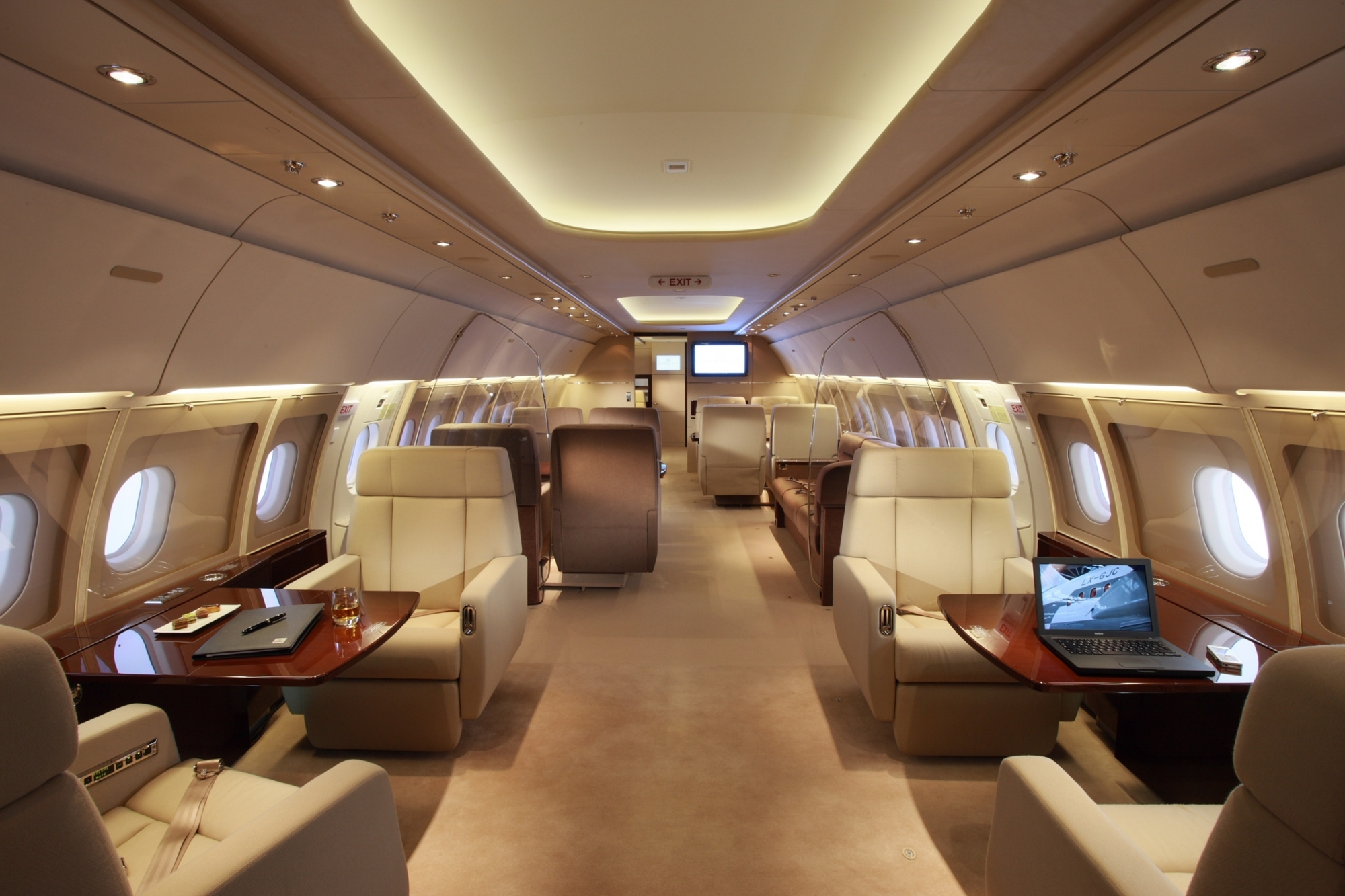 Jet aviation basel delivers new airbus a340 600 with vip for Interieur 605
