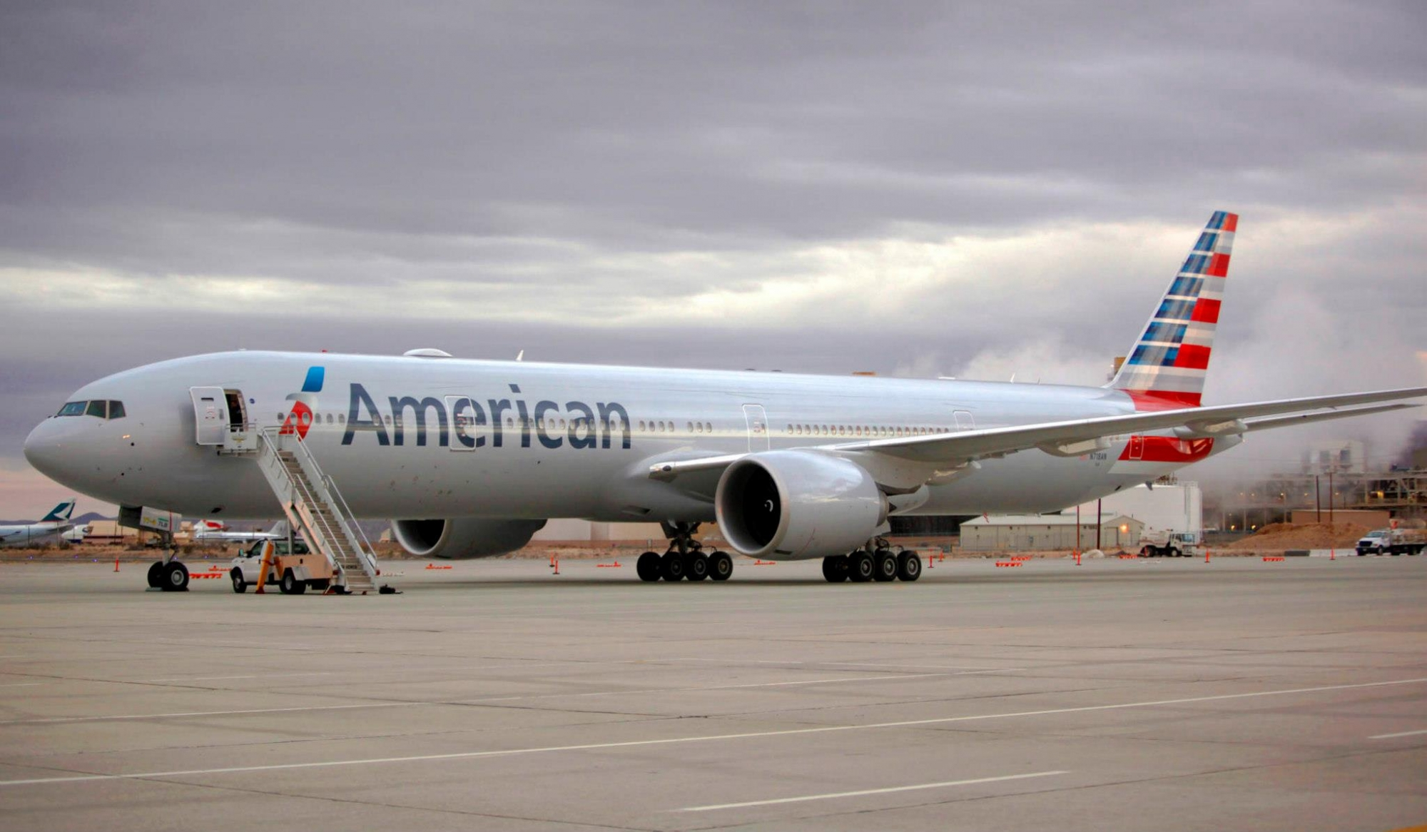 Qantas Welcomes American Airlines Flagship B777 to Sydney