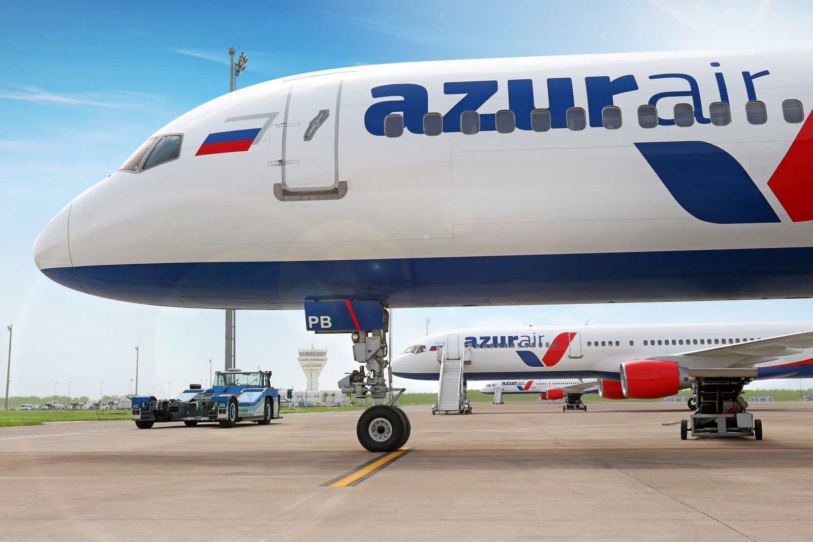 Russia 39 s utair group offloads azur air unit to turkey 39 s for Air azur carrelage