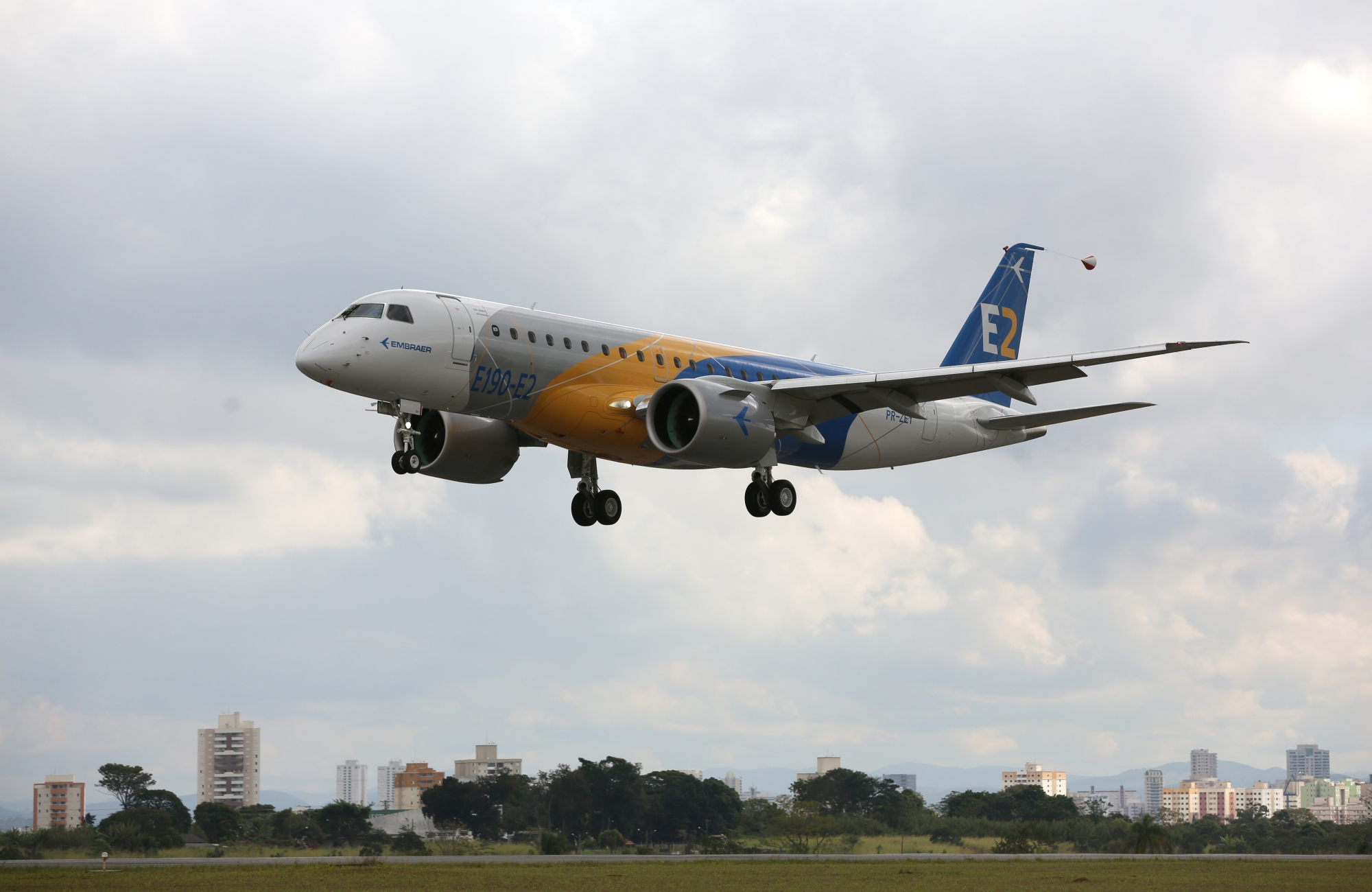 Embraer E190 E2 Wins Certification From Three Authorities Facc