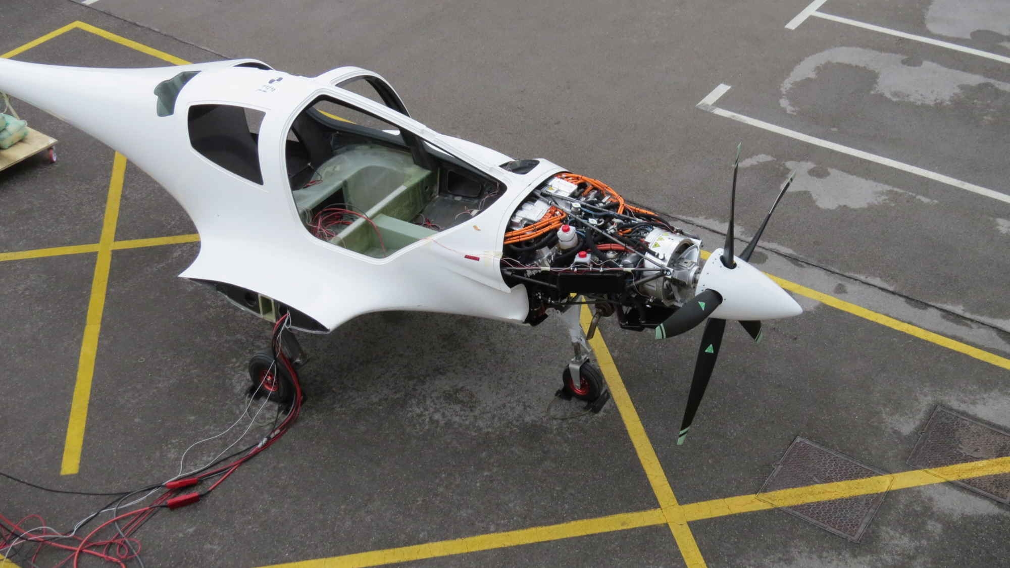 hybrid electric aircraft motor powers up new hybrid