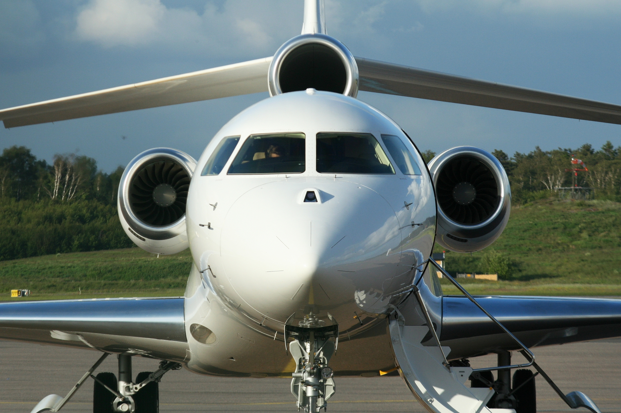 Large cabin business jet squeeze hits values throughout for Large cabin business jets
