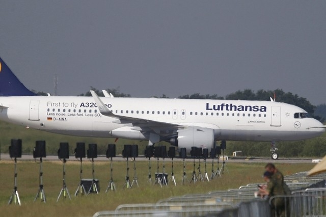 Lufthansa to cancel flights to berlin on monday amid for Lufthansa direct flights to germany