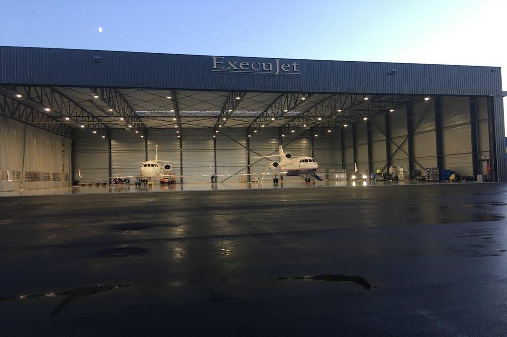 Luxaviation belgium unveils four million euro hangar at kortrijk wevelgem int - Location hangar bruxelles ...