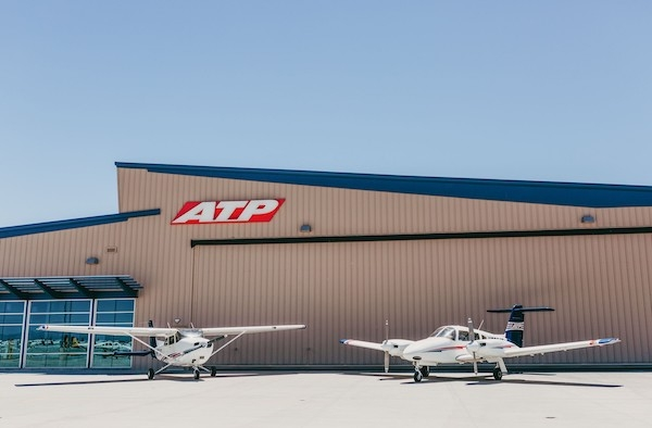 Signature Flight Support >> Signature Flight Support Inks Deal With Atp Flight School For A
