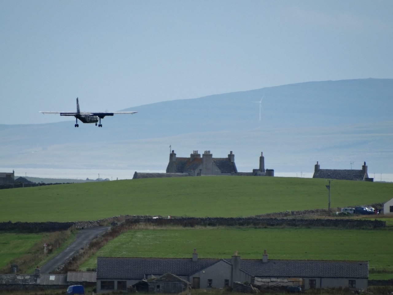World's Shortest Commercial Flights: Westray-Papa Westray by